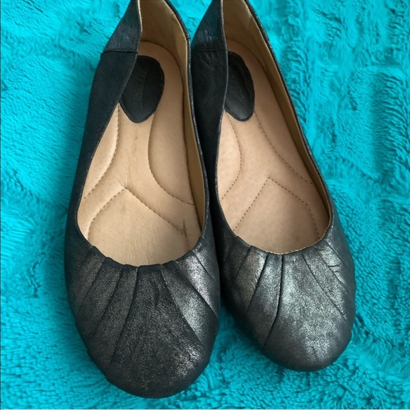 Earth Shoes - •Earth• Metallic Pewter Flats